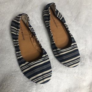 Lucky Brand Flats 10 Striped Shoes Print Navy Blue